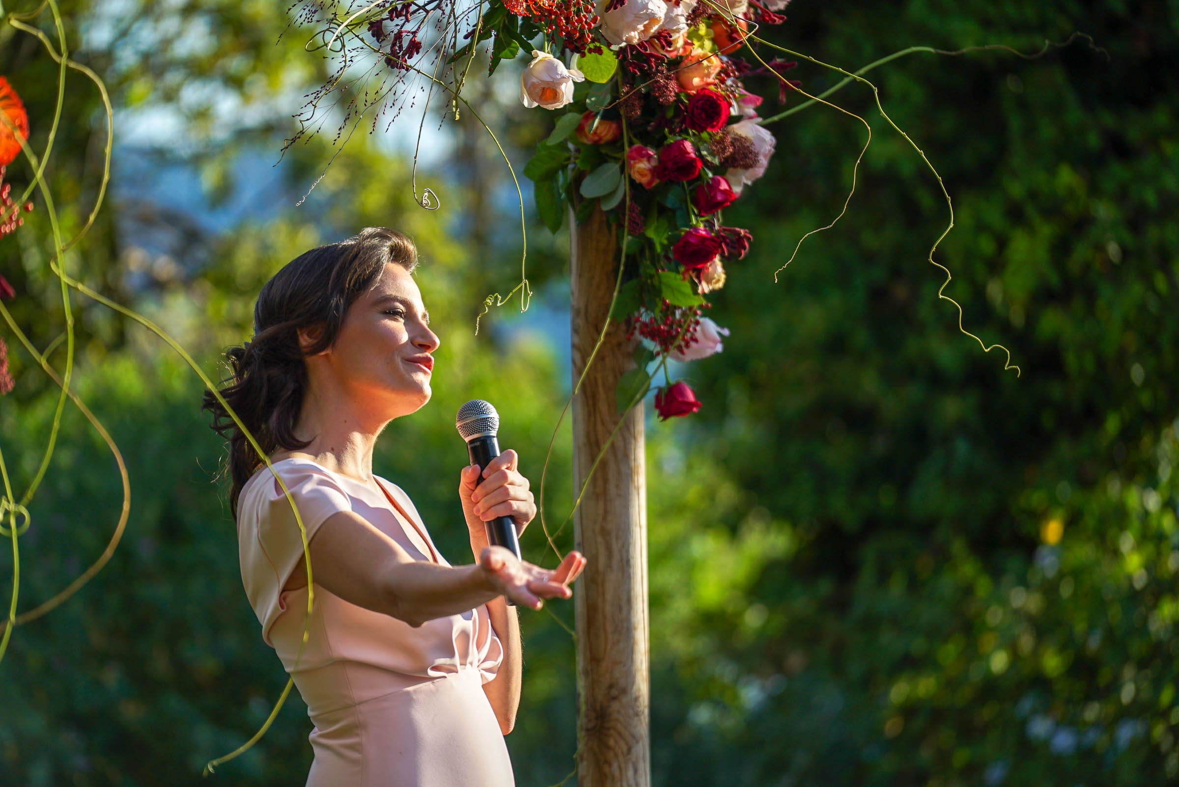 woman speaking in a wedding event